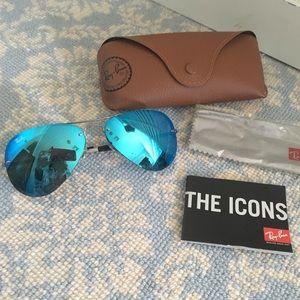 Ray-Ban Flash lens sunglasses